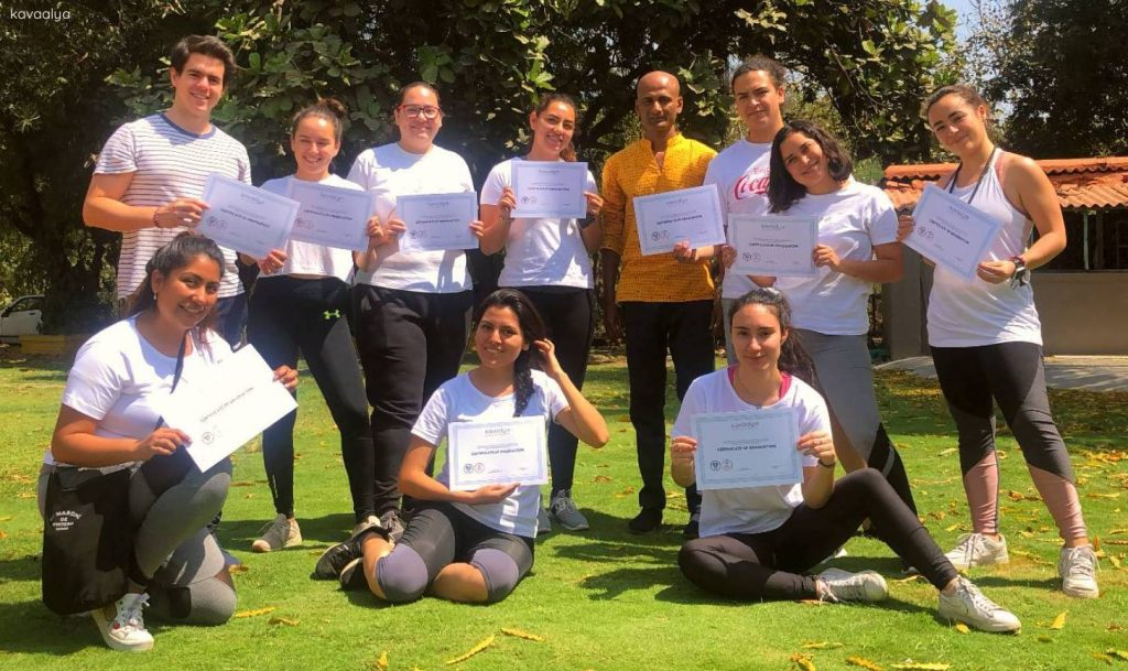 curso-de-yoga-en-india